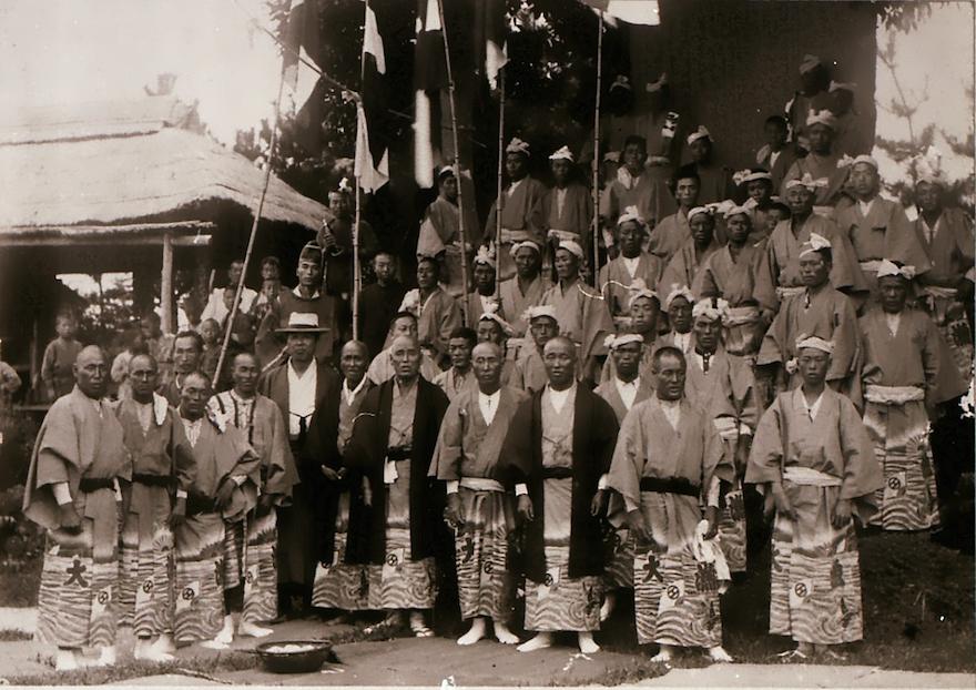 明治30年正月 万祝を着た漁師たち