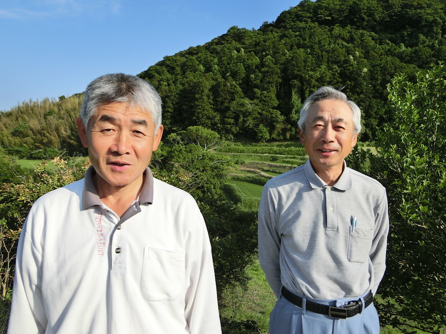 鈴木茂昭さん(左)と鈴木康雄さん(右)