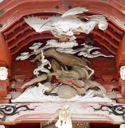 初代伊八(武志伊八郎信由)が52歳の円熟期に製作した「飛龍」「地龍」