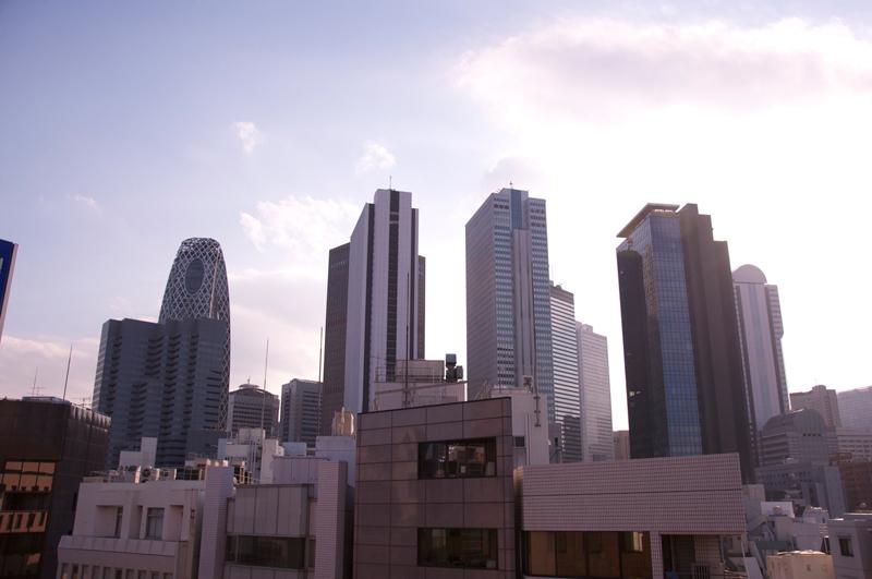 HAPON新宿屋上からの高層ビル群の風景
