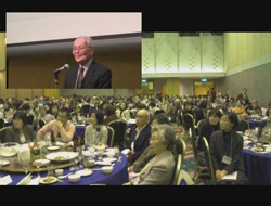 提携40周年記念式の様子 登壇者:和田博之さん(三芳村生産グループ)