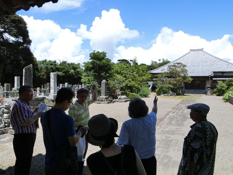 東京韓国学校の校長と教員3名による館山の視察(2015年8月) 来春には初等部が合宿を予定している
