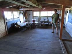 牛舎2階を改修し、今後滞在の受け入れも要検討中