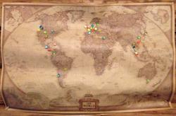八角堂内に貼られている地図
