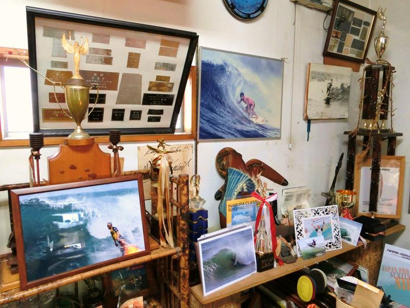 これまでに受賞したタイトルと写真の数々(KAWAI SURF GALLERY)