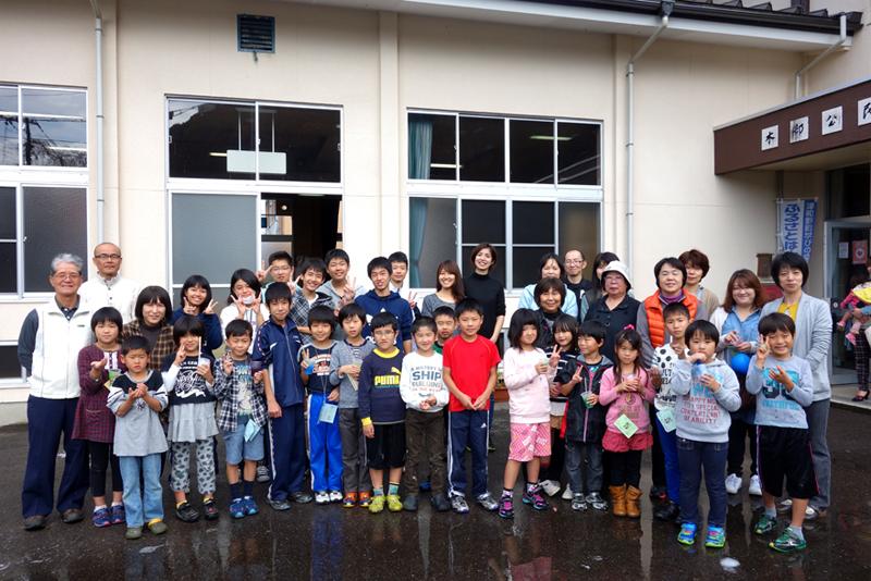 小学生19名と中学生のお手伝い7名が参加した出張ゆるかつ