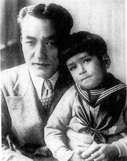 『戦場にかける橋』(1958年)でアカデミー助演男優賞にノミネートされた南房総出身の早川雪洲と息子雪夫