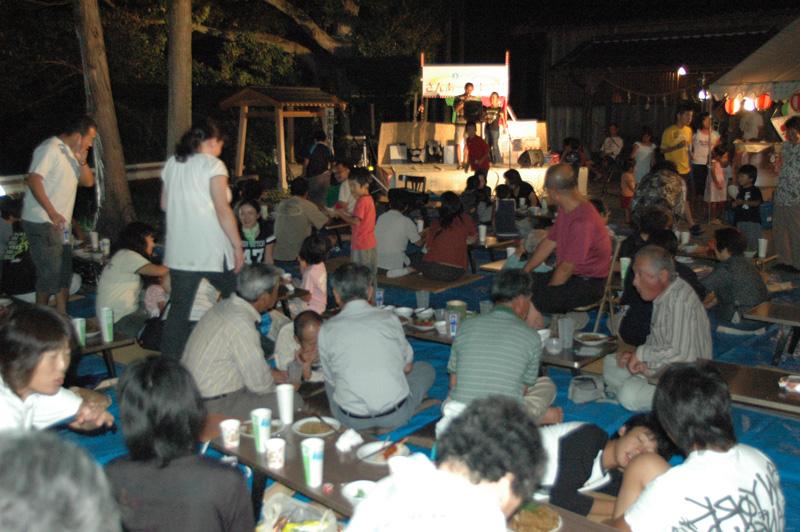 古紙回収で集まった資金をもとに地区内神社で開催される納涼祭「さんあーる祭り」