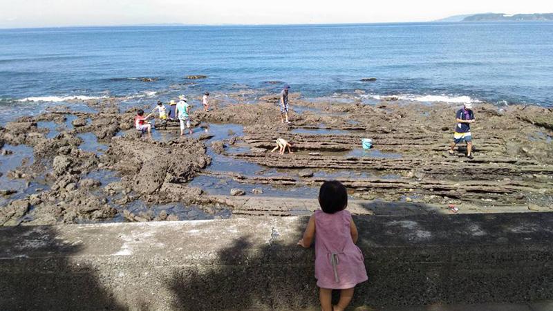 2016年後期の第一回目に開催された「ミニ釣り」の様子 沖ノ島や大房岬など南房総の様々な海でも保育活動を行っている