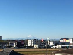 館山ミナトバラックスからの眺め 晴れた日には海越しに富士山を望むことができる