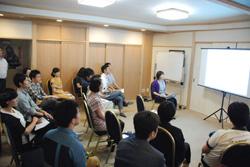 移住に興味を持つ有志が集まって企画した「移住フェス」に登壇する奈良さん