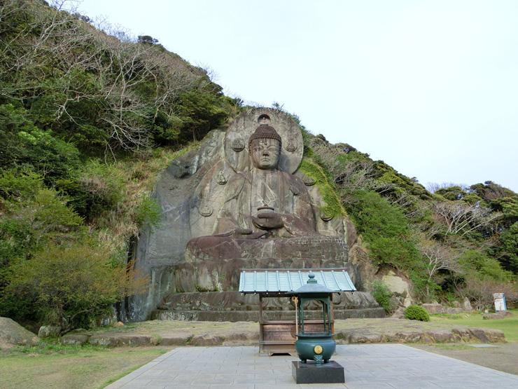 石像大仏としては日本一大きいとされる鋸山日本寺の大仏