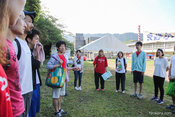 過疎化が急速に進む金谷で金谷小学校の運動会を手伝う「まるも」の皆さん