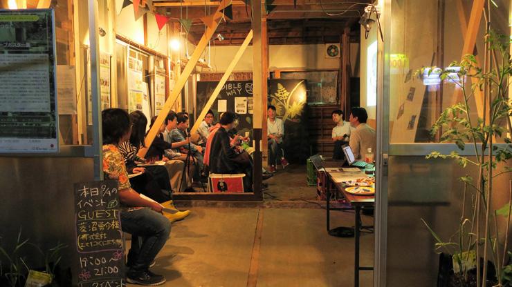イベントの参加者のなかには、入居を検討している飲食店の経営者の姿も。