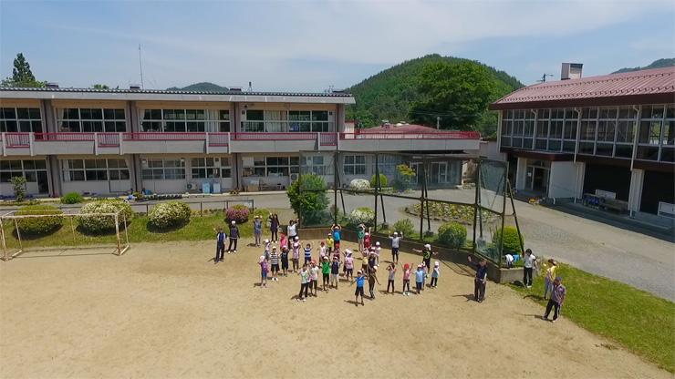 新山小学校児童