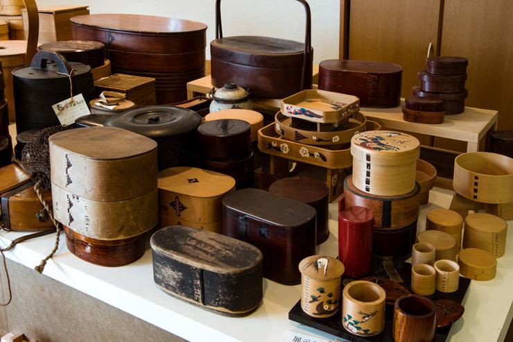 柴田慶信商店が建設計画中の曲げわっぱミュージアム(仮称)では世界中で収集した曲げわっぱも展示される予定