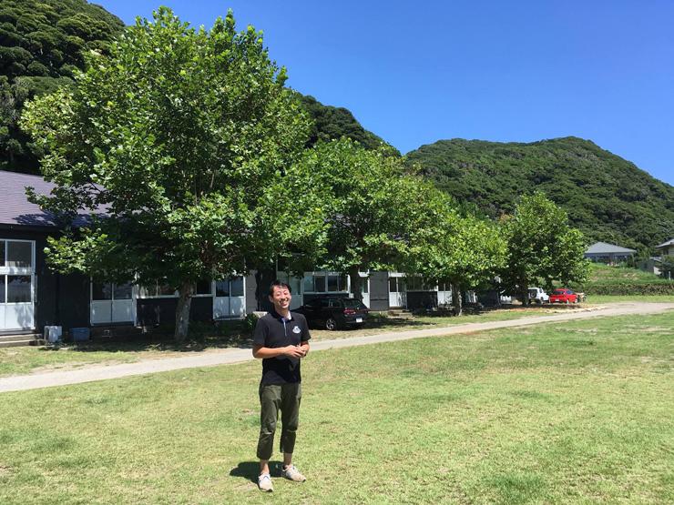 校庭に「無印良品の小屋」が建ちはじめた2017年夏 いつ行っても笑顔で迎えてくれる多田さん