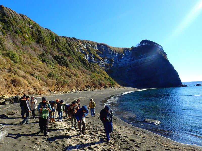海辺の達人養成講座 毎年1月に開催されている    写真提供:NPO法人たてやま・海辺の鑑定団